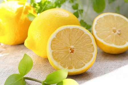 دستور تهیه دمنوش قهوه و لیمو, فواید نوشیدنی ترکیب قهوه با لیمو, مضرات مصرف قهوه با لیمو