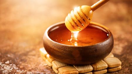 نوشیدنی هایی برای رفع درد زانو,تاثیر عسل درمان زانو درد