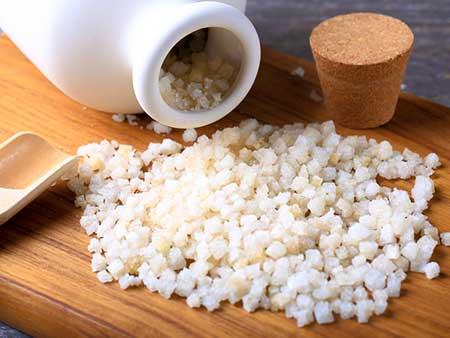 نمک اپسوم چیست؟ فواید درمانی و زیبایی نمک اپسوم