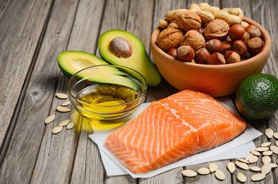 ۱۳ گزینه غذایی چرب، بیماری های مزمن را از شما دور می کنند