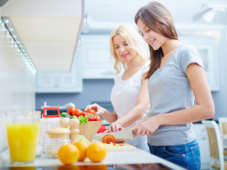 تغذیه زنان از کودکی تا سالمندی،تغذیه مفید برای بانوان