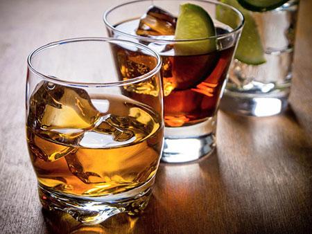تاثیر الکل بر پوست, عوارض اعتیاد به الکل