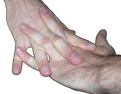 آیا شکستن انگشتان مضر است؟