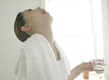انواع التهاب لوزه, غدد لنفاوی گردن