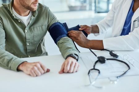 علل فشار خون بالا, بيماري هاي مزمن کليوي