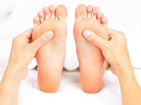 درمان سر درد با فشار دادن كف پا