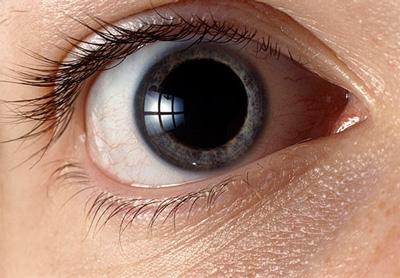 تشخیص بیماری با چشم ها , فشار خون