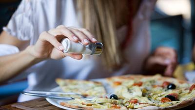 میزان مصرف نمک درغذا,مضرات مصرف نمک