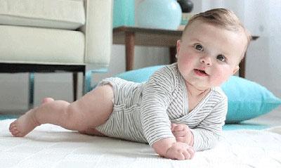 داروهاي گياهي مفيد براي نوزادان,درمان بيماري نوزدان با داروهاي گياهي,نوزاد