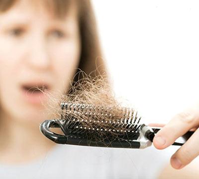 علائم تغییرات هورمونی در زنان,علل بی خوابی در زنان, علل ریزش مو در زنان