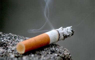 چرا برخی از نوجوانان به سیگار کشیدن روی می آورند؟