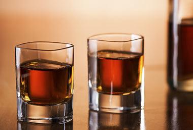 اعتیاد به الکل و تاثیر مصرف مشروبات الکلی بر بدن