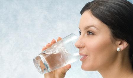 شکنندگی ناخن, درمان شکنندگی ناخن,کاهش آب بدن و شکستن ناخن ها