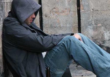 معتاد,كمك به افراد معتاد,نشانه هاي افراد معتاد
