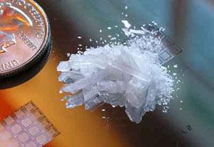شیشه چیست,عوارض شیشه,عوارض مصرف شیشه,درمان اعتیاد به شیشه