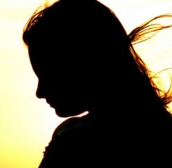 قاعدگي,خون ريزي غير طبيعي در دختران,علل خون ريزي غير طبيعي در دختران نوجوان,پريود