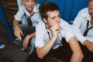سیگار,سیگار کشیدن,عوارض سیگار کشیدن,مضرا سیگار کشیدن,اعتیاتد به سیگار