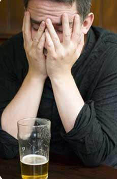 راههای ترک اعتیاد به الکل,آثار مصرف الکل,عوارض مصرف الکل