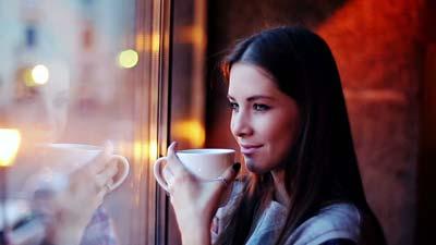 مضرات مصرف قهوه برای خانم ها,مصرف کافئین در زنان,مضرات مصرف قهوه برای زنان