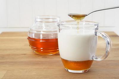 نوشیدنی های چاق کننده,انواع نوشیدنی های چاق کننده,نوشیدنی چاق کننده شیر عسل