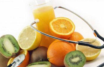 راه درمان فشار خون پایین ، فشار خون پایین ، خوردن میوه و ابمیوه طبیعی