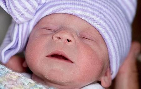 باروری مردان با پیوند رحم, نوزاد متولد شده با پیوند رحم