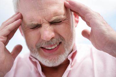 علت سردرد هاي مداوم ,علت سردرد همراه با حالت تهوع