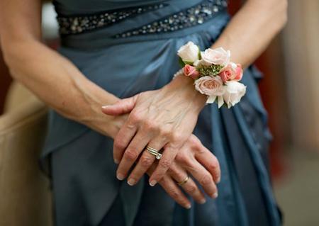 شیک ترین دسته گل های عروس,دسته گل دور مچ عروس