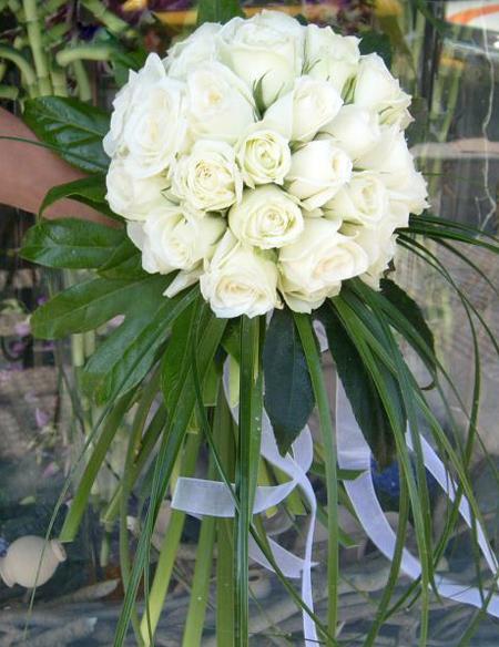 دسته گل سفید عروس,دسته گل های سفید