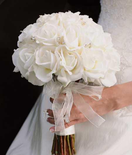 دسته گل عروس به رنگ سفید, دسته گل سفید عروس