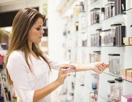 [تصویر:  buy-perfume2.jpg]
