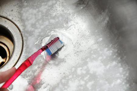 نکاتی برای تمیزکاری با مسواک, تمیزکردن خانه با مسواک