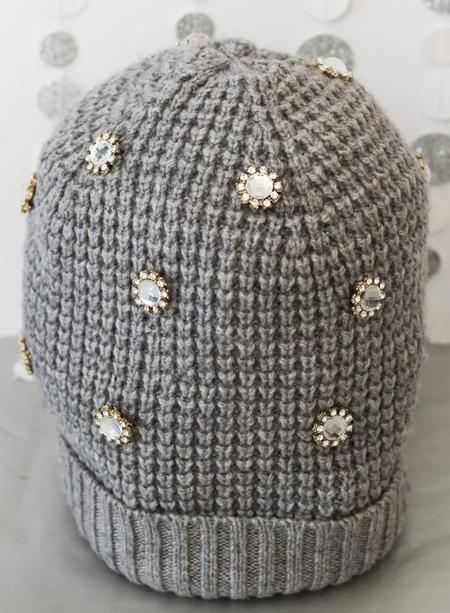 [تصویر:  decorating1-simple2-knit2-hat1.jpg]