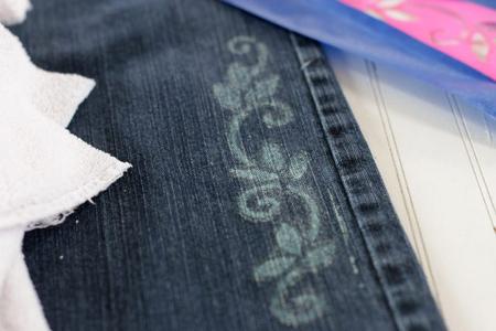 وسایل مورد نیاز برای طراحی روی شلوار جین,آموزش طراحی روی شلوار جین