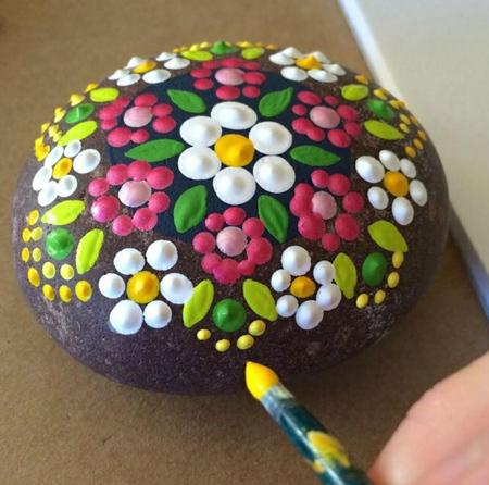 آموزش نقاشی روی سنگ,طراحی روی سنگ