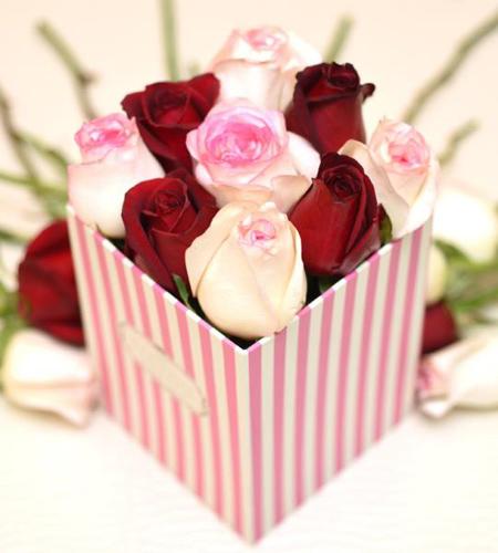 باکس شیشه ای گل,تزیین باکس های گل