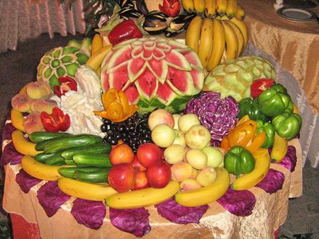 تصاویر 95 تزیین میوه روی میز,تزیین میوه روی میز برای تولد,تزیین میوه روی میز 95