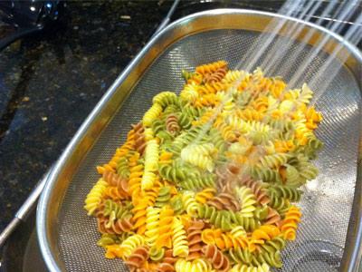 روش های پخت ماکارونی,نکاتی نادرست برای پخت ماکارونی