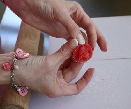 تزیین پاستیل به شکل گل, گل رز با پاستیل