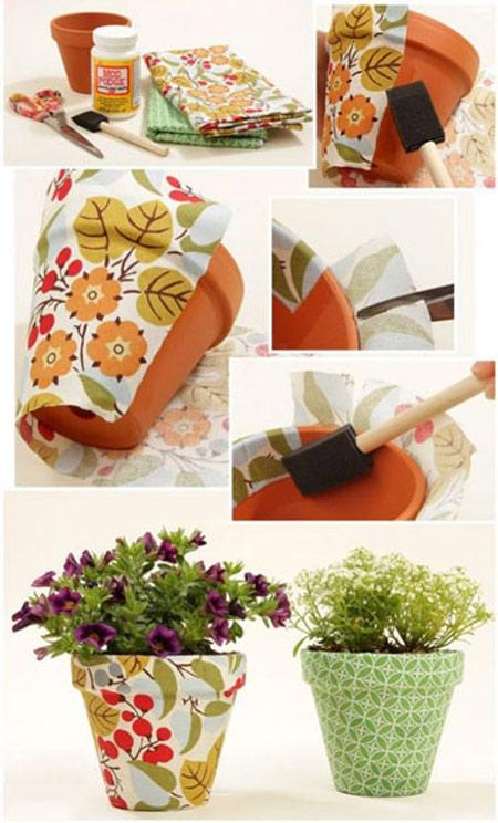 تزیین گلدان سفالی مستطیلی با تکه های پارچه، گلدان های را تزیین کنید