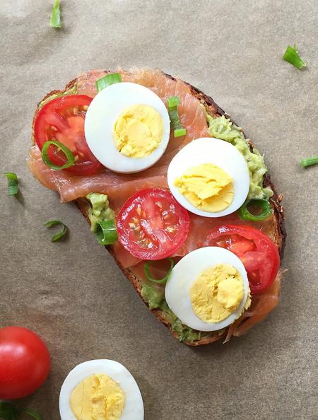 تزیین تخم مرغ صبحانه, تزیین تخم مرغ آبپز