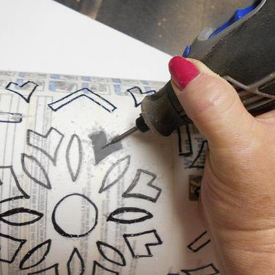 آموزش تصویری ساخت لوستر,ساخت لوستر با لیوان یکبار مصرف