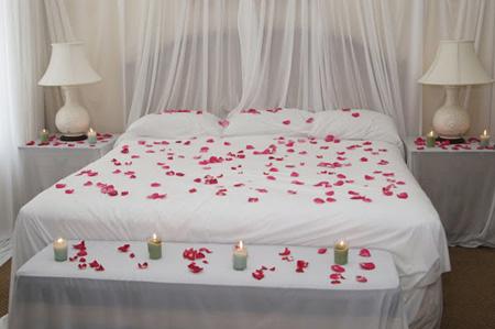 تزیین اتاق خواب عروس با گل, تزیین اتاق خواب عروس با گل و شمع