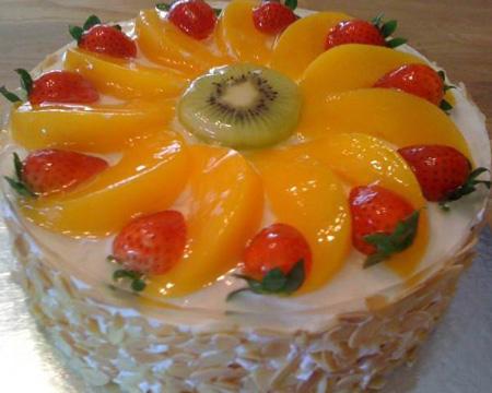 تزیین کیک با خامه و میوه|تزیین کیک اسفنجی با میوه