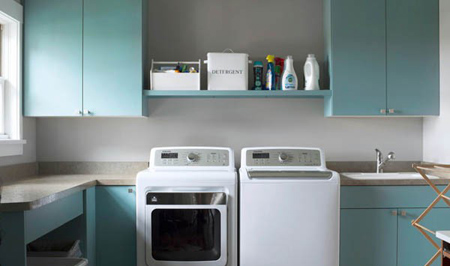 شستن لباس، با این ترفندها لباس ها نو می مانند!