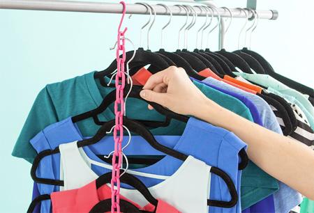 ایده ای جالب برای آویزان کردن لباس