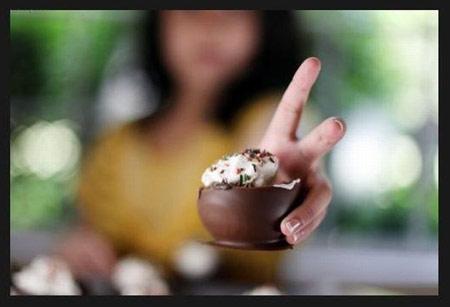 ساخت ظروف شکلاتی برای بستنی
