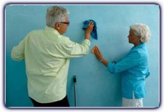 تمیز کردن دیوارهای رنگ روغنی