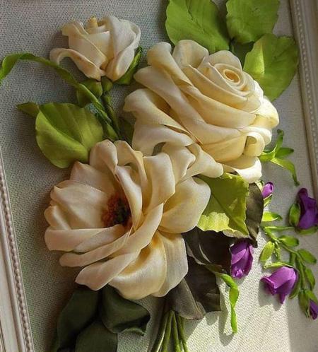 گل های روبان دوزی, گل رز روبان دوزی شده