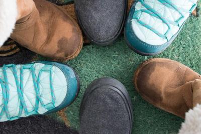 نگهداری و تمیز کردن کفش های زمستانی